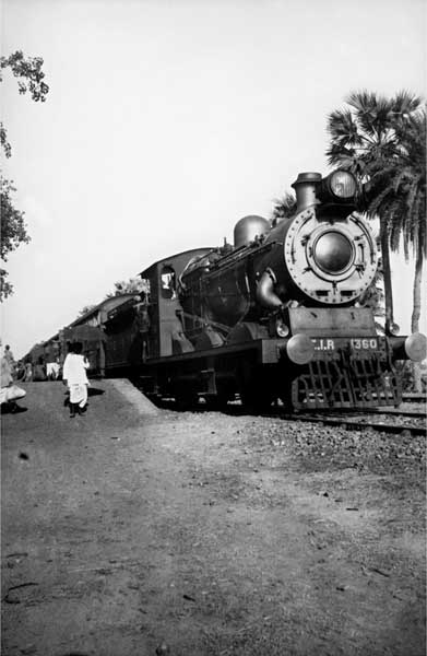 Steam engine. B2 glass negative. Date unknown. Golam Kasem