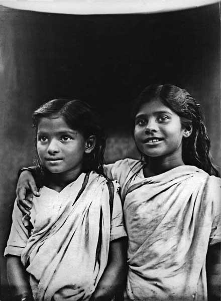 Two girls. Midnapore 1926. B2 glass negative. Golam Kasem