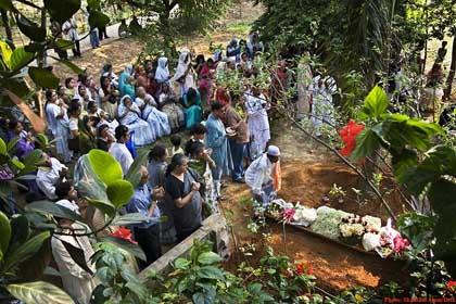 Happy's Funeral in Ghazipur