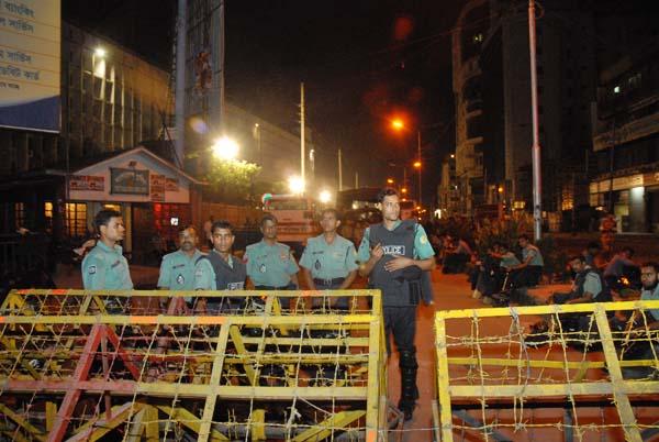 barricade-4777.jpg