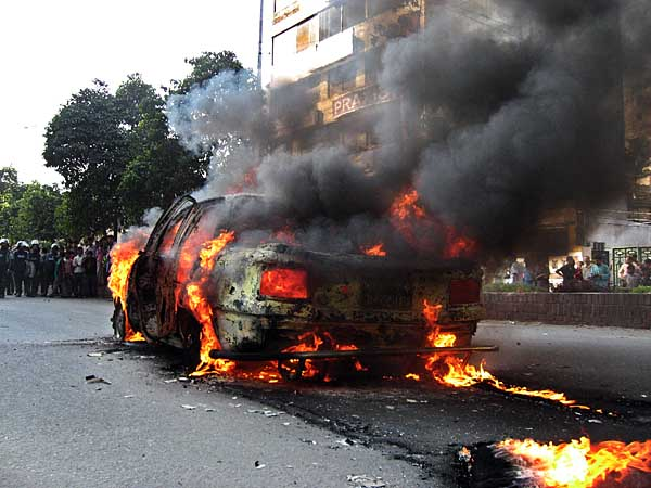 burning-car-0326.jpg
