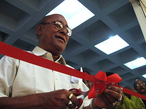 rashid-talukder-at-students-opening-0300.jpg