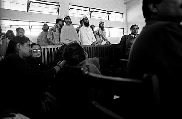 accused-in-moulvibazar-court-f8-roll92-fm30.jpg