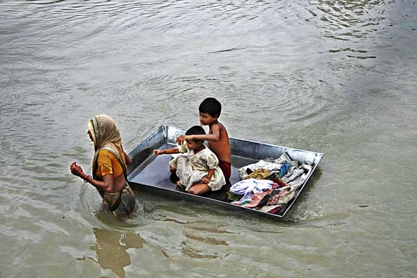 tanvir-mother-and-children-07302007141514.jpg