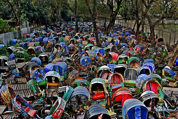 confiscated-rickshaws-wasif.jpg
