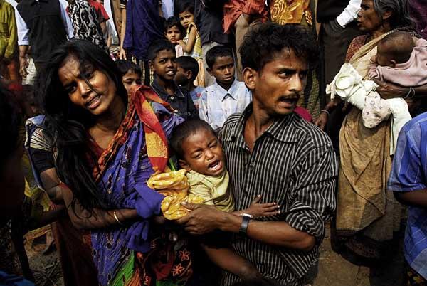 slum-eviction-family.jpg