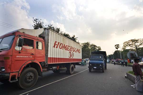 homebround-truck-escapes-from-museum-in-police-custody-4289.jpg