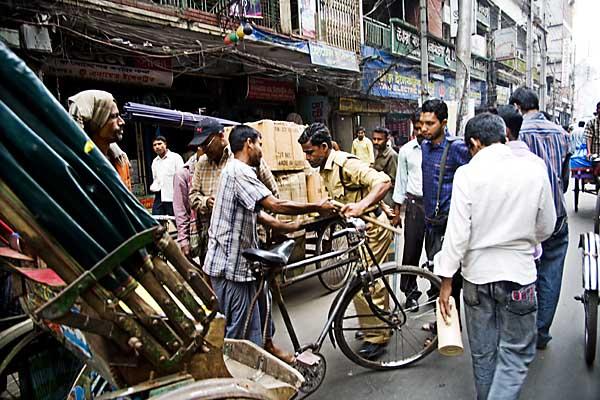 police-beating-rickshawalla-5100.jpg
