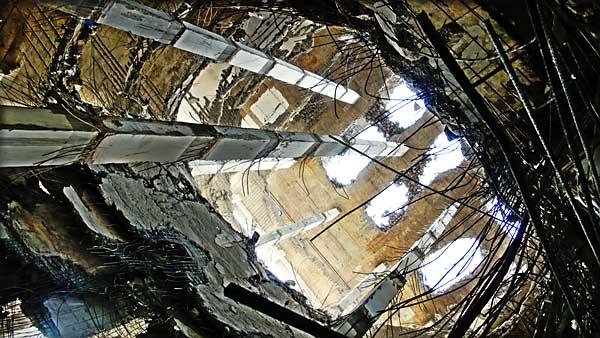 rangs-building-looking-up-0761.jpg