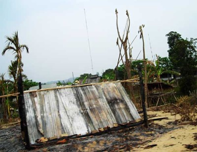 Pahari house razed in arson attack, Gongaram Mukh, Sajek union. ©Udisa Islam, 27 April 2008