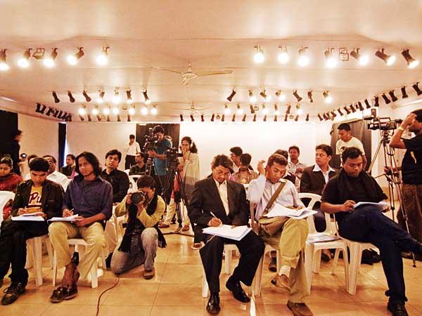 Chobi Mela V press conference at Drik Gallery II. 10th January 2009. Dhaka. Shahidul Alam/Drik/Majority World