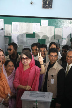 Khaleda voting. Amdadul Huq