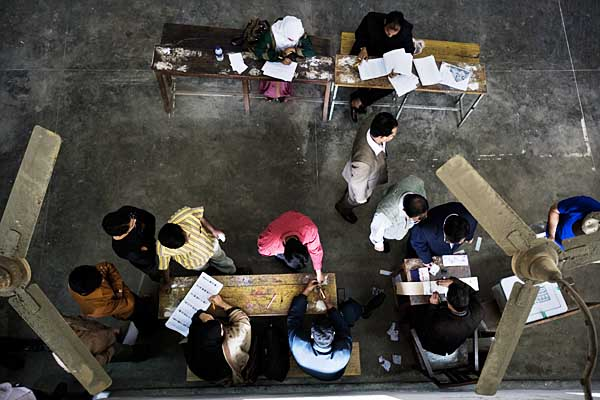 Voting booth in school in Dhanmondi. 29th December 2008. Shahidul Alam/Drik/Majority World