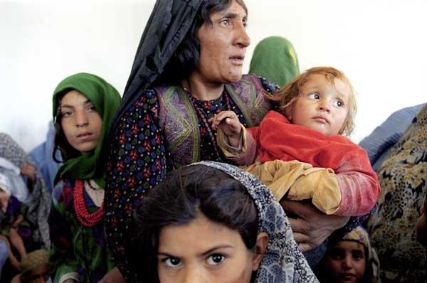 Clinique Minaret, Soins de santŽ pour les femmes et les enfants de  MŽdecins du Monde. Afghanistan, Herat, mars 2002