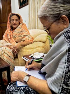 Mahasweta Devi gets an exclusive interview of Prime Minister Sheikh Hasina at the Prime Minister's residence Shudha Shadhan. 30th January 2009. Shahidul Alam/Drik/Majority World